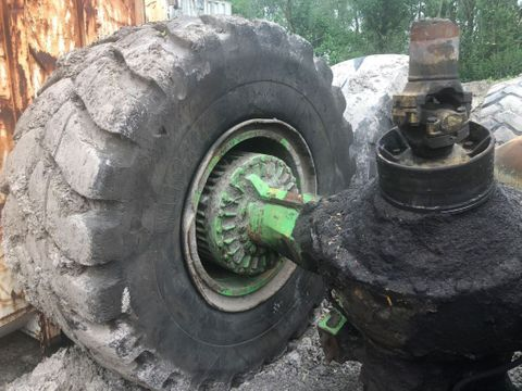 Komatsu WA600 FRONT AND REAR AXLES | Brabant AG Industrie [3]