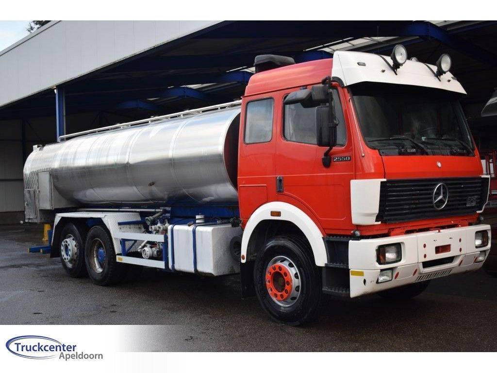 Mercedes-Benz Steel springs, Reduction axle, 13700 liter, Truckcenter Apeldoorn | Truckcenter Apeldoorn [1]